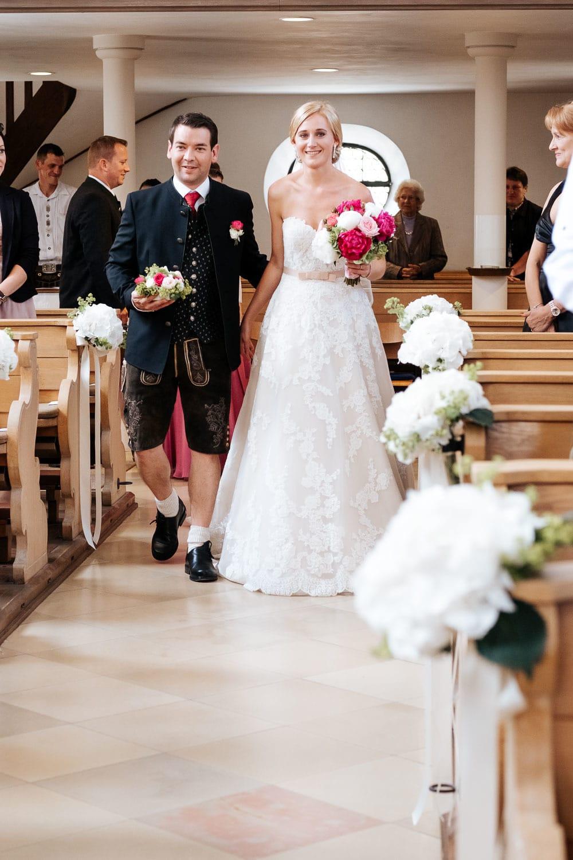 Lichtbetont Fotograf Hochzeit Hohenkammer - Schloss - Ingolstadt - Bayern - Augsburg - Neuburg - Eichstätt - Pfaffenhofen - bester Hochzeitsfotograf - Hochzeitsfotos Altmühltal - Ilm_0008