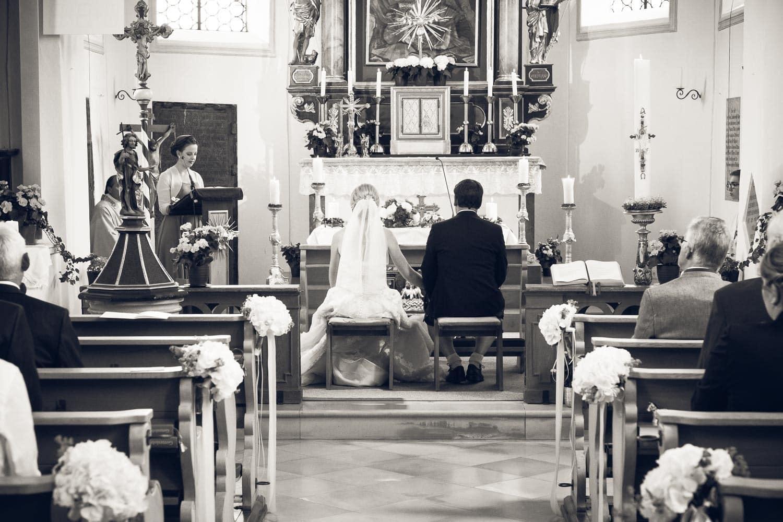 Lichtbetont Fotograf Hochzeit Hohenkammer - Schloss - Ingolstadt - Bayern - Augsburg - Neuburg - Eichstätt - Pfaffenhofen - bester Hochzeitsfotograf - Hochzeitsfotos Altmühltal - Ilm_0010