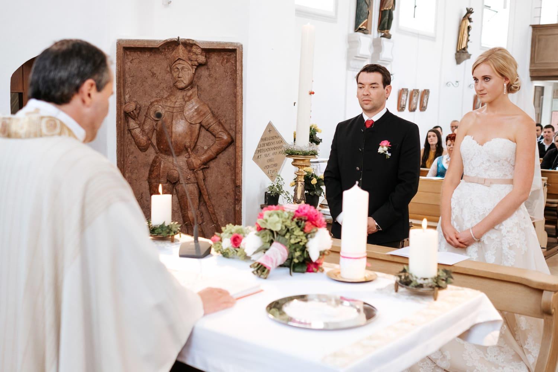 Lichtbetont Fotograf Hochzeit Hohenkammer - Schloss - Ingolstadt - Bayern - Augsburg - Neuburg - Eichstätt - Pfaffenhofen - bester Hochzeitsfotograf - Hochzeitsfotos Altmühltal - Ilm_0013