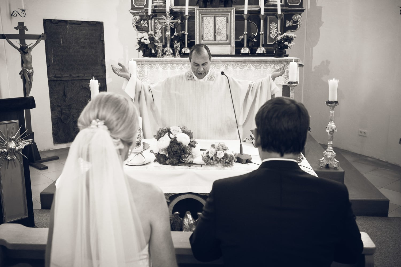 Lichtbetont Fotograf Hochzeit Hohenkammer - Schloss - Ingolstadt - Bayern - Augsburg - Neuburg - Eichstätt - Pfaffenhofen - bester Hochzeitsfotograf - Hochzeitsfotos Altmühltal - Ilm_0018