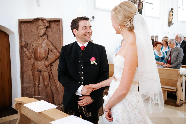 Lichtbetont Fotograf Hochzeit Hohenkammer - Schloss - Ingolstadt - Bayern - Augsburg - Neuburg - Eichstätt - Pfaffenhofen - bester Hochzeitsfotograf - Hochzeitsfotos Altmühltal - Ilm_0023