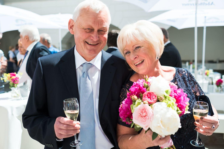 Lichtbetont Fotograf Hochzeit Hohenkammer - Schloss - Ingolstadt - Bayern - Augsburg - Neuburg - Eichstätt - Pfaffenhofen - bester Hochzeitsfotograf - Hochzeitsfotos Altmühltal - Ilm_0029