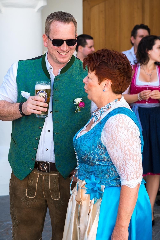 Lichtbetont Fotograf Hochzeit Hohenkammer - Schloss - Ingolstadt - Bayern - Augsburg - Neuburg - Eichstätt - Pfaffenhofen - bester Hochzeitsfotograf - Hochzeitsfotos Altmühltal - Ilm_0033