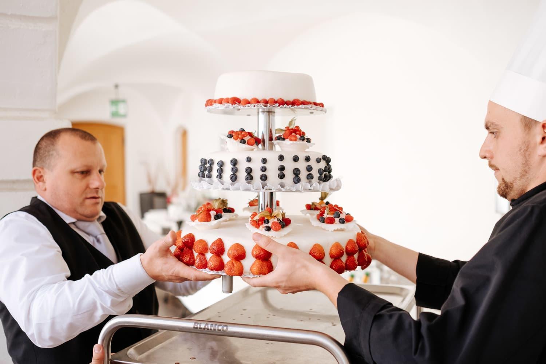 Lichtbetont Fotograf Hochzeit Hohenkammer - Schloss - Ingolstadt - Bayern - Augsburg - Neuburg - Eichstätt - Pfaffenhofen - bester Hochzeitsfotograf - Hochzeitsfotos Altmühltal - Ilm_0034
