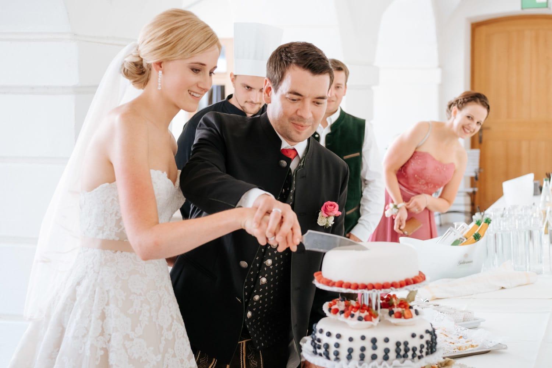 Lichtbetont Fotograf Hochzeit Hohenkammer - Schloss - Ingolstadt - Bayern - Augsburg - Neuburg - Eichstätt - Pfaffenhofen - bester Hochzeitsfotograf - Hochzeitsfotos Altmühltal - Ilm_0036