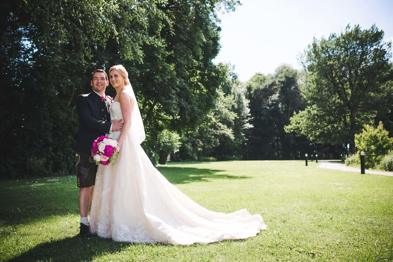 Lichtbetont Fotograf Hochzeit Hohenkammer - Schloss - Ingolstadt - Bayern - Augsburg - Neuburg - Eichstätt - Pfaffenhofen - bester Hochzeitsfotograf - Hochzeitsfotos Altmühltal - Ilm_0044