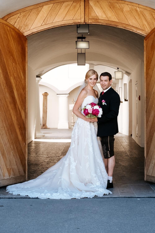 Lichtbetont Fotograf Hochzeit Hohenkammer - Schloss - Ingolstadt - Bayern - Augsburg - Neuburg - Eichstätt - Pfaffenhofen - bester Hochzeitsfotograf - Hochzeitsfotos Altmühltal - Ilm_0053