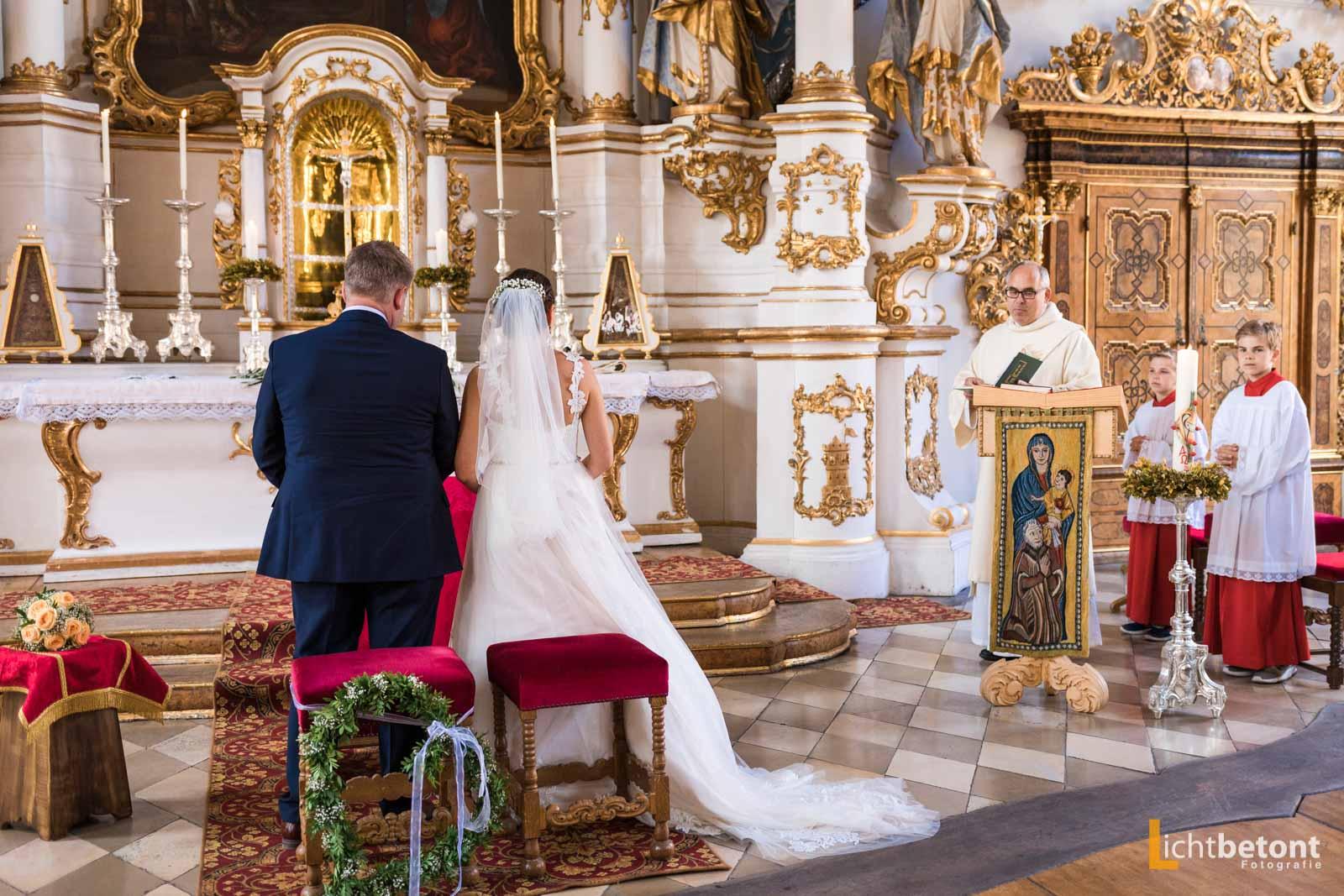 Hochzeitsreportage Seehaus Asam Kirche Ingolstadt Barocksaal Baggersee heiraten Hochzeitsfeier_0032