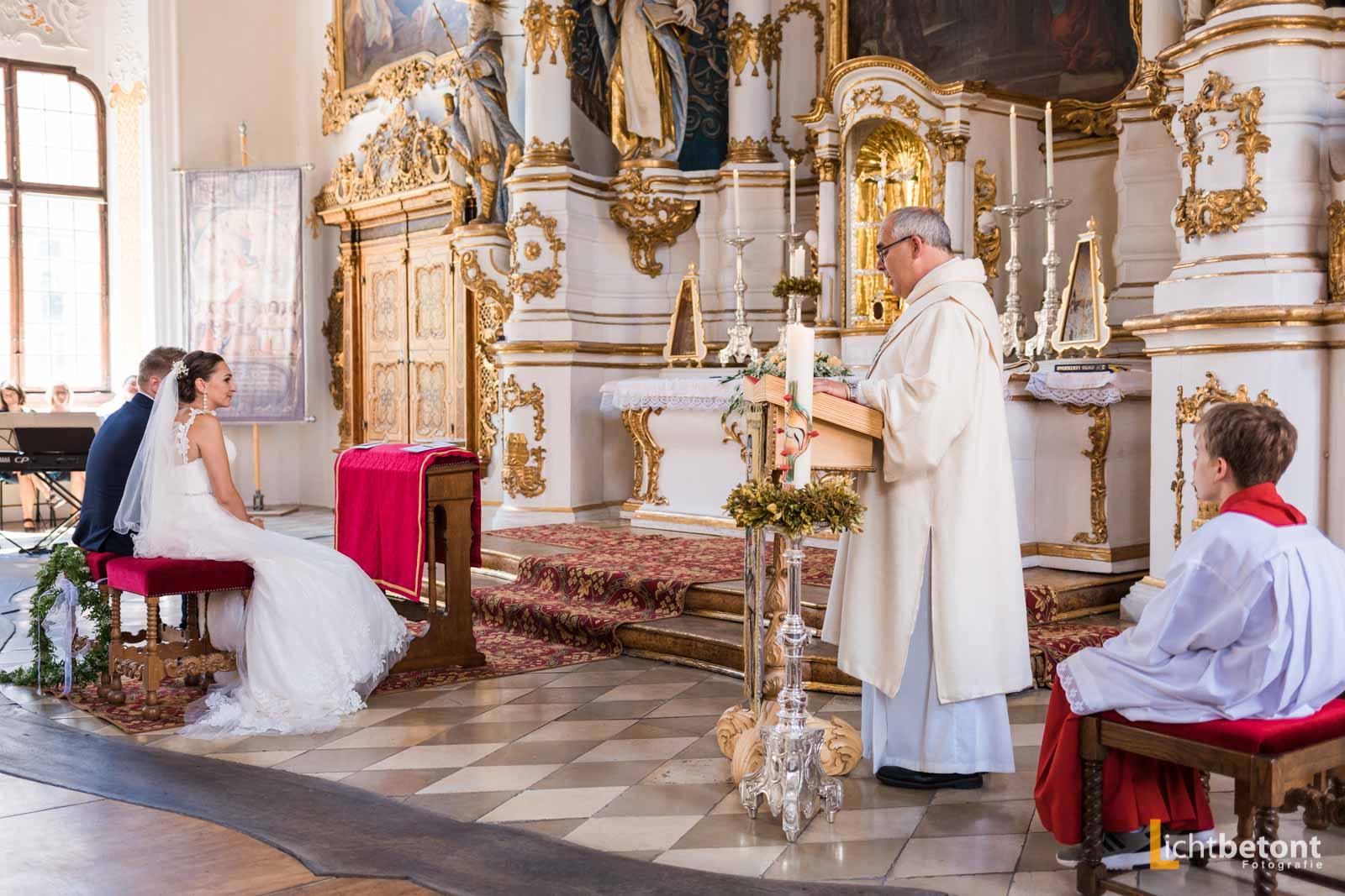 Hochzeitsreportage Seehaus Asam Kirche Ingolstadt Barocksaal Baggersee heiraten Hochzeitsfeier_0033