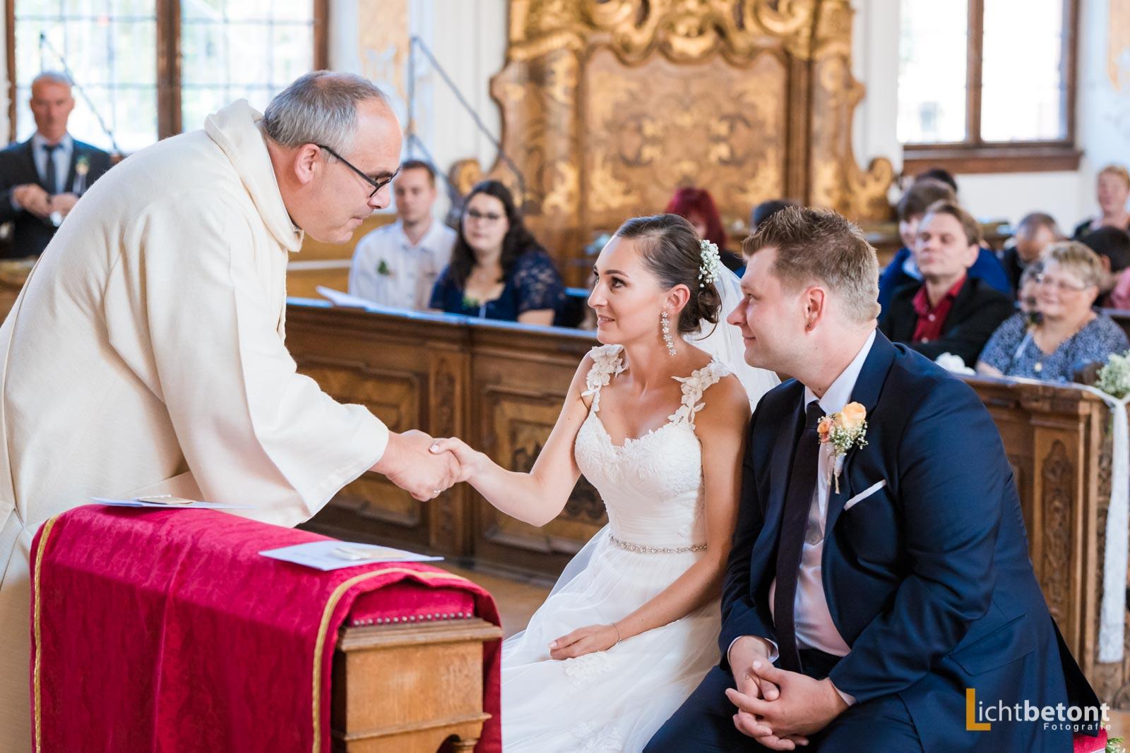 Hochzeitsreportage Seehaus Asam Kirche Ingolstadt Barocksaal Baggersee heiraten Hochzeitsfeier_0034