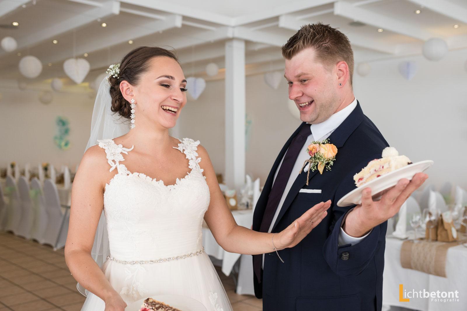 Hochzeitsreportage Seehaus Asam Kirche Ingolstadt Barocksaal Baggersee heiraten Hochzeitsfeier_0048