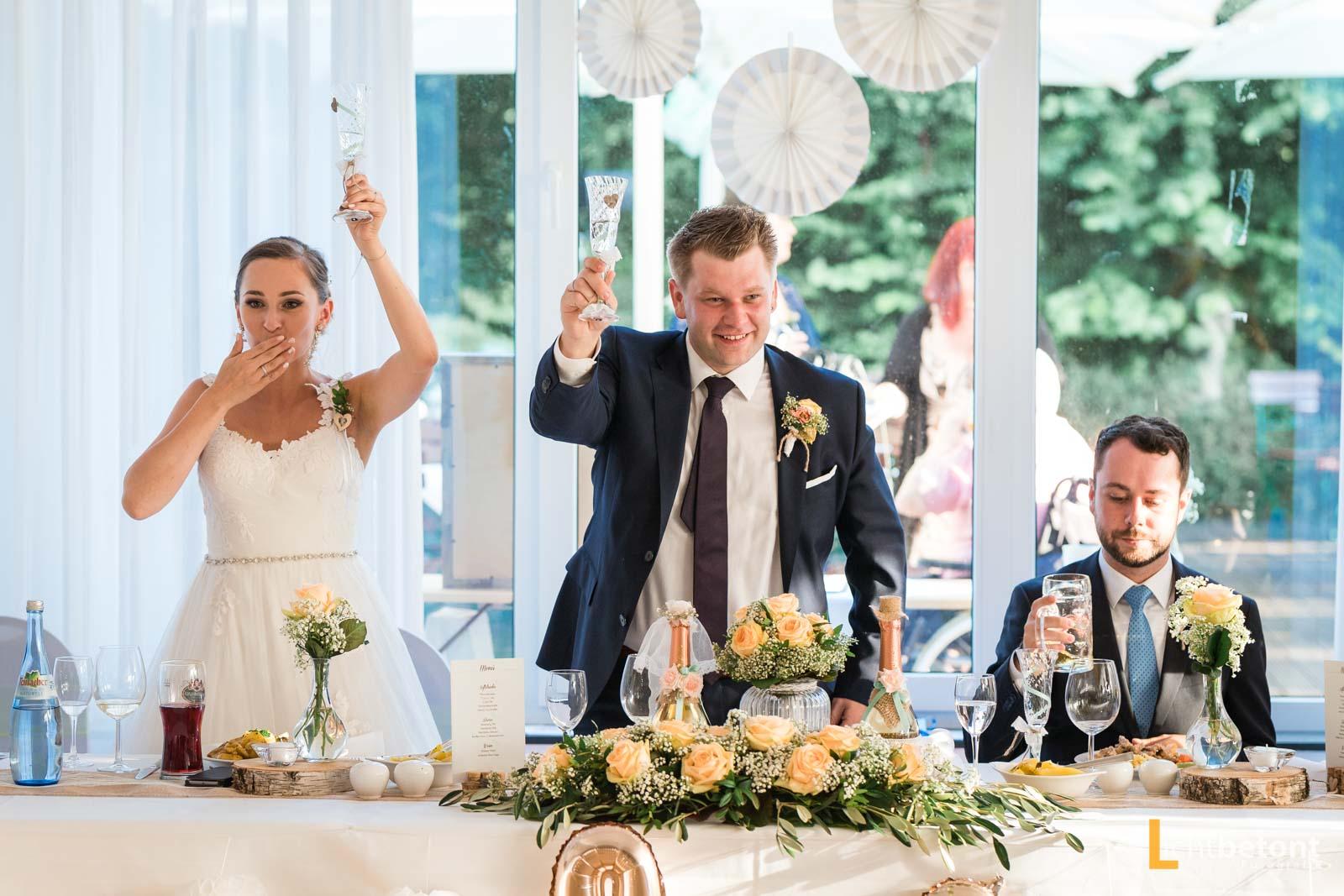Hochzeitsreportage Seehaus Asam Kirche Ingolstadt Barocksaal Baggersee heiraten Hochzeitsfeier_0056