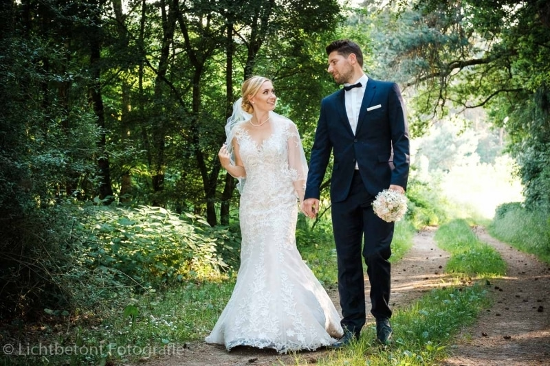Lichtbetont-Hochzeitsreportage-Hochzeit-BavarResi-Tenne-Paffenhofen-Heiraten